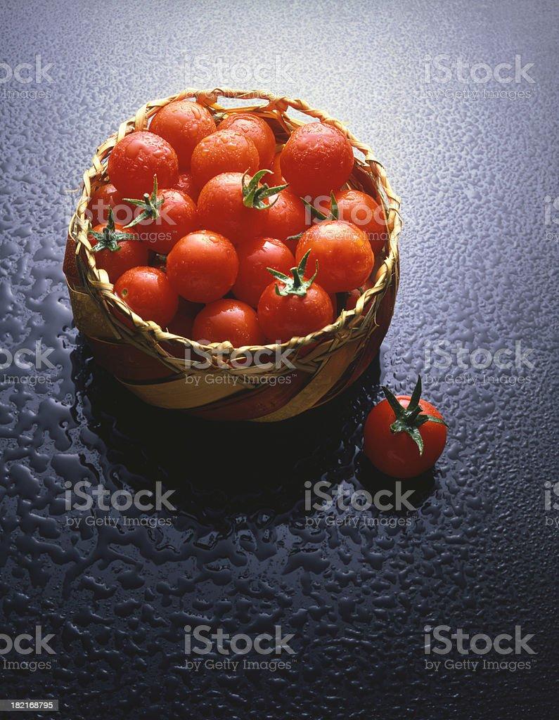 Tomaten in Basket – Foto