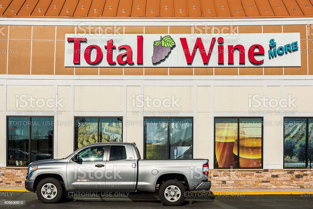 Total Wine store in downtown Fairfax, Virginia facade stock photo