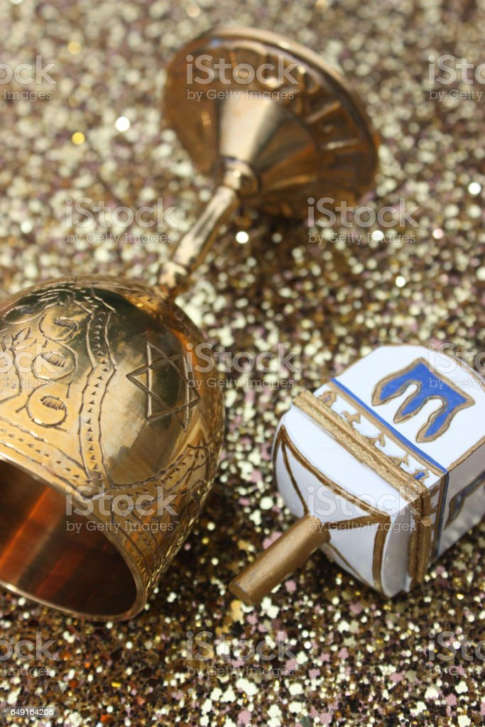 Toupie de Hanoukkah - Coupe du sabbat stock photo