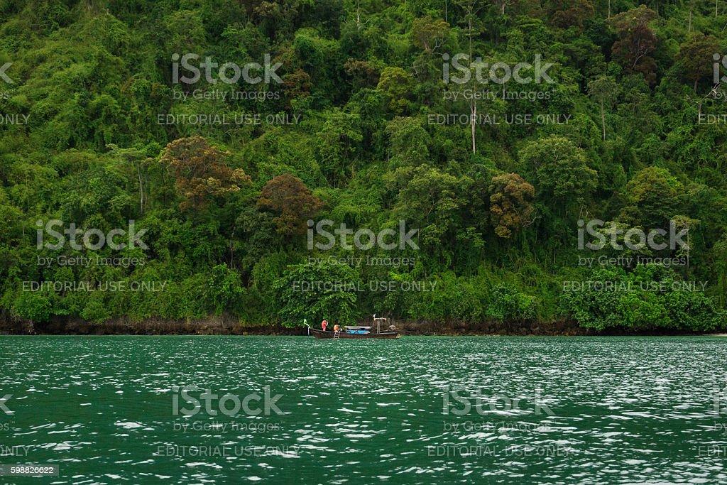 Tourist boat in sea near Poda island photo libre de droits