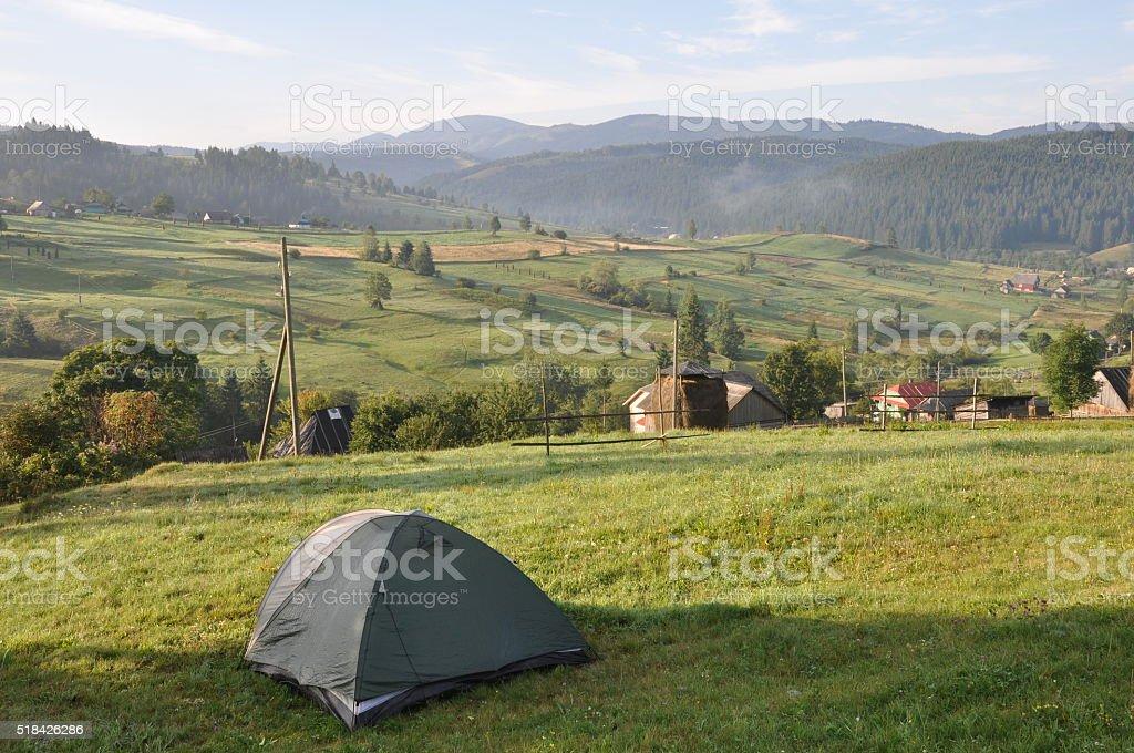 Turismo carpa en campamento foto de stock libre de derechos