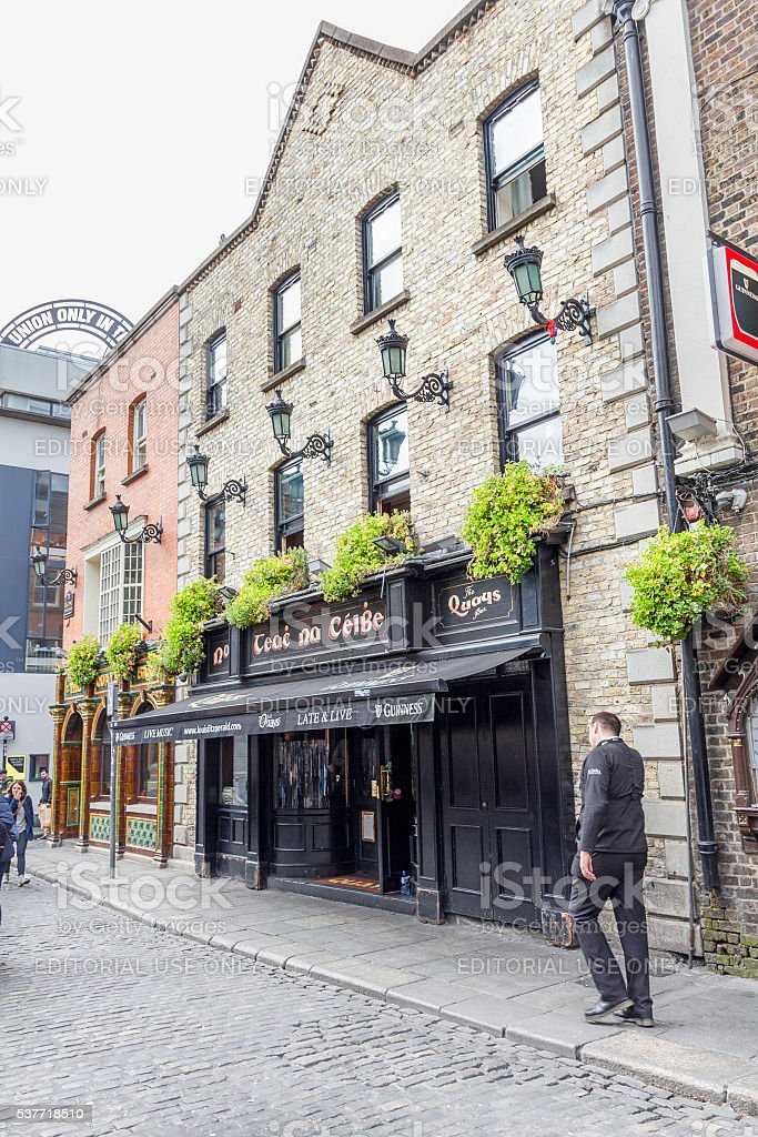 Tourists walking in the Temple Bar area, Dublin, Ireland stock photo