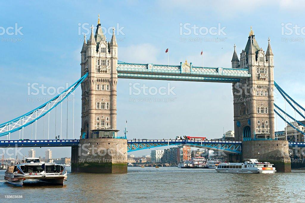 Tower Bridge, London, britischen Hotels Aufnahme mit polarizing filtern. – Foto