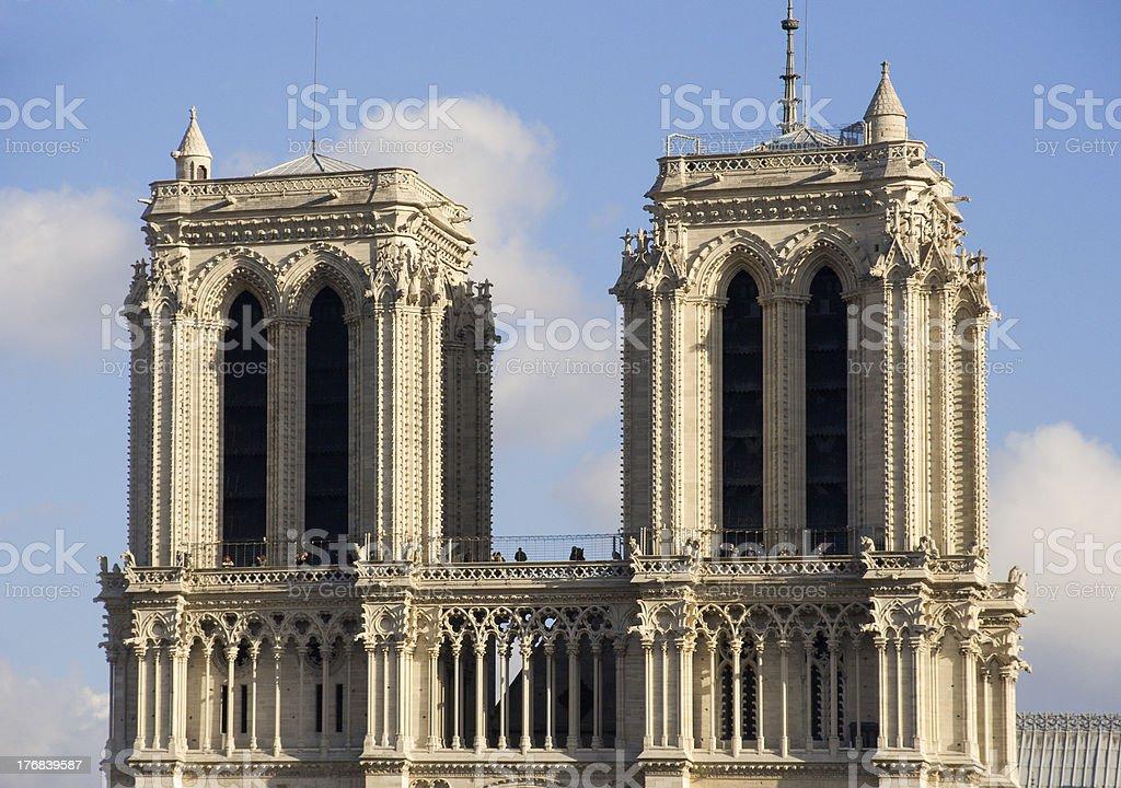 Towers en el cielo foto de stock libre de derechos