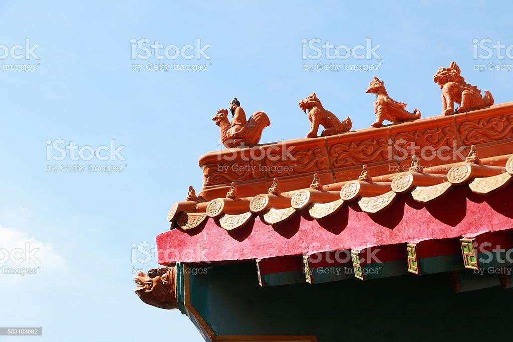 Tempio tradizionale cinese in tailandia decorate con animali