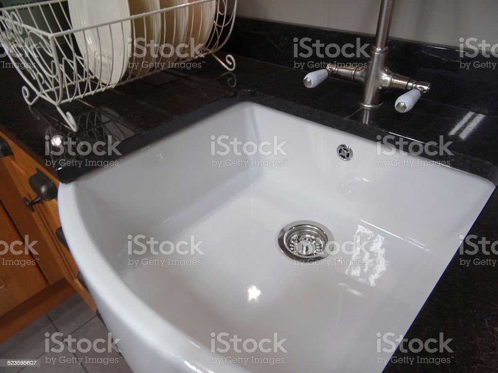 Kitchen Floor Tiles Belfast Traditional Kitchen Blackgranite Worktop Counter White Ceramic