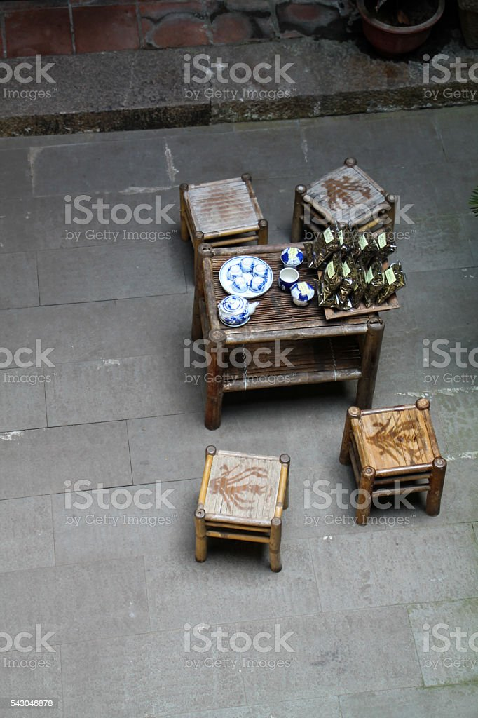 Traditional Vietnamese table and chairs, rooftop view of dining photo libre de droits
