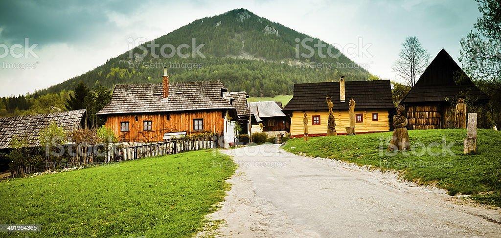 Traditionelles Dorf in der Slowakei Lizenzfreies stock-foto
