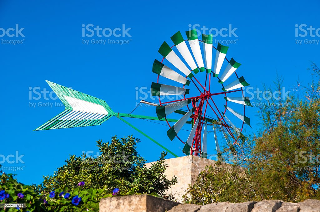 Traditionelle Windmühle auf Mallorca stock photo