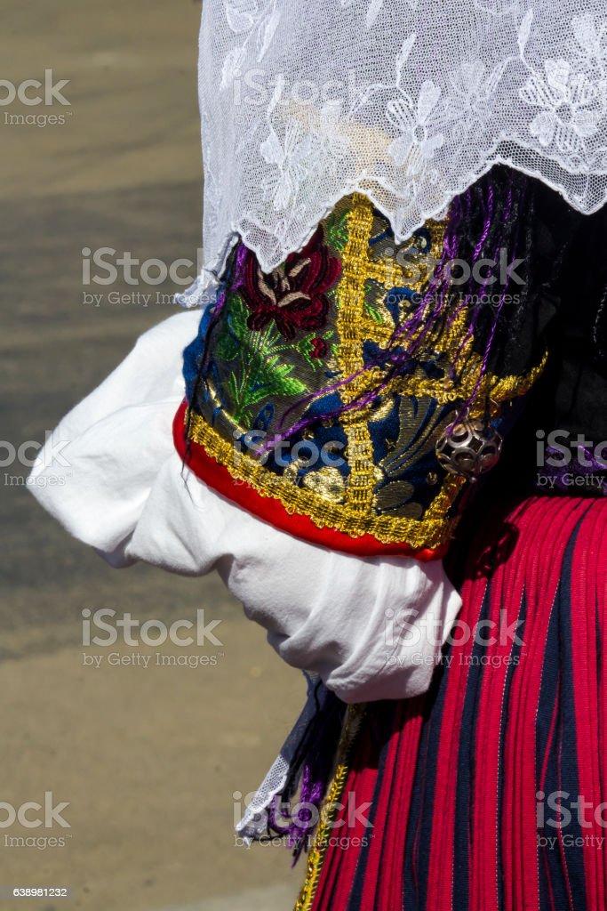 tradizionale costume sardo stock photo