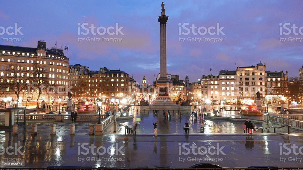Trafalgar Square London in the evening on a rainy day Lizenzfreies stock-foto