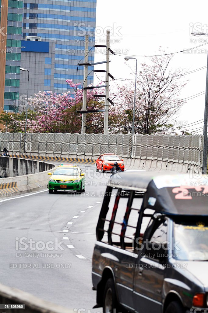 Traffic on s-curved elevated street stock photo