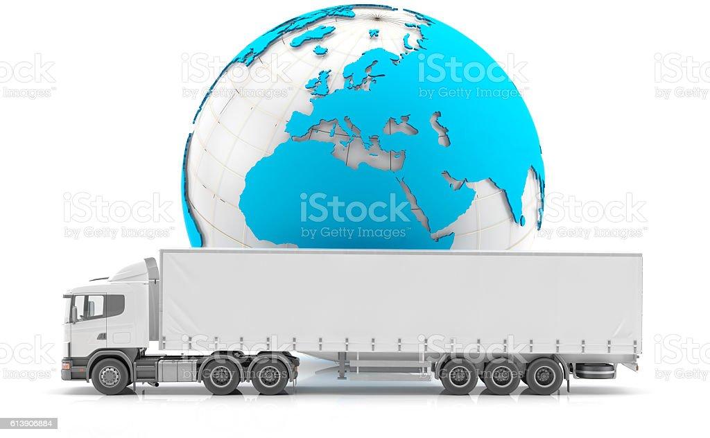 Transporte de mercancías con camión blanco y mapamundi azul stock photo