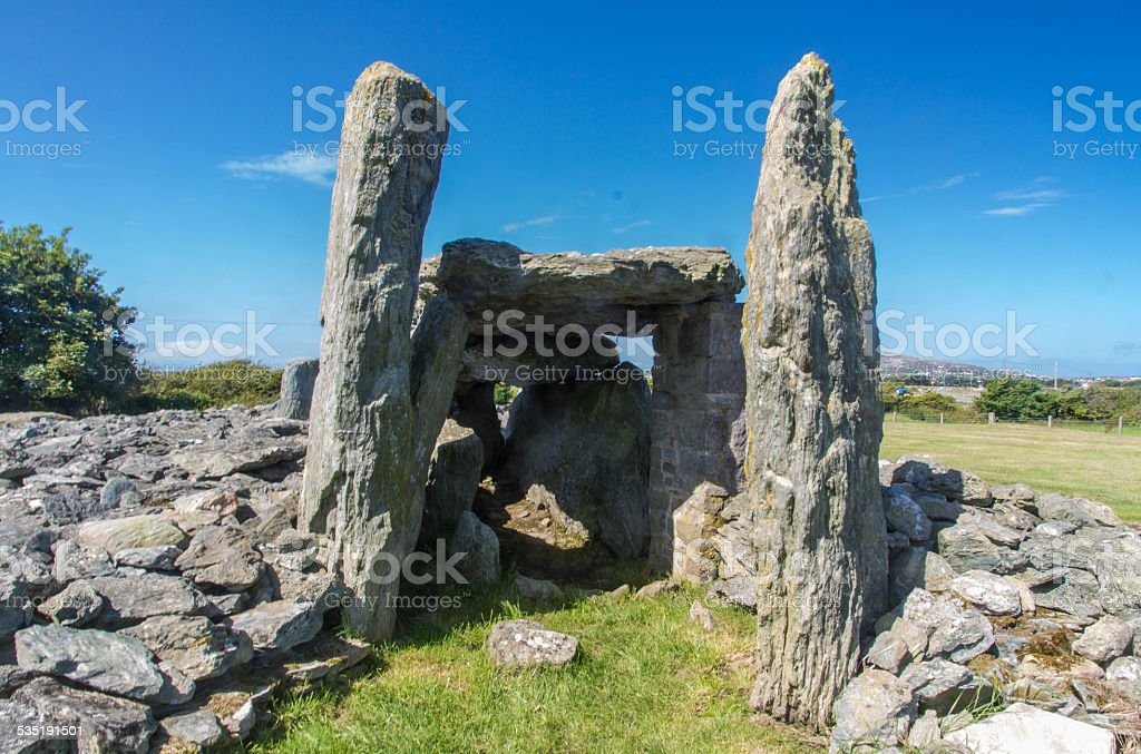 Trefignath ancient burial chamber, Neolithic Cambered Tomb, Angl stock photo