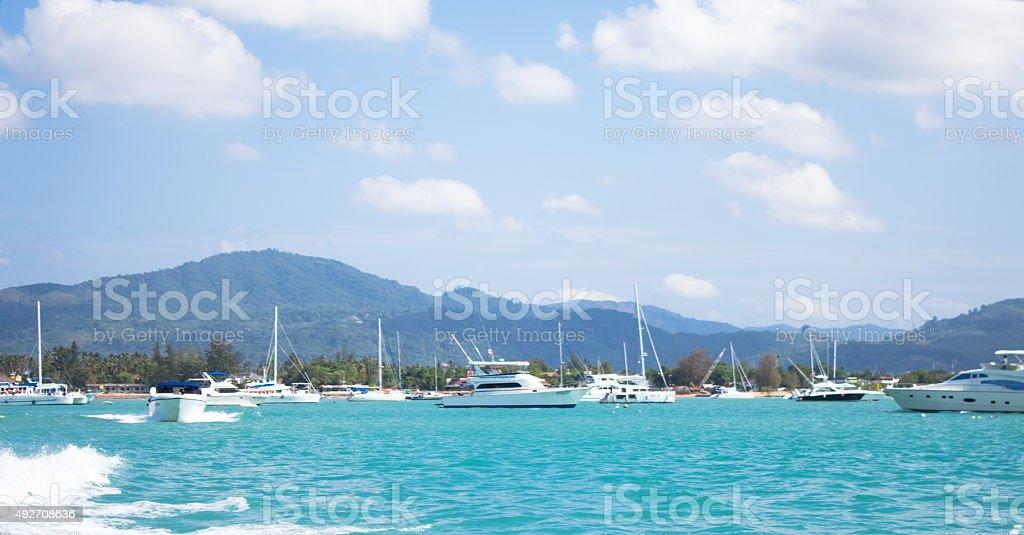 Тропический голубой небо и море, песок, время отпуска Стоковые фото Стоковая фотография