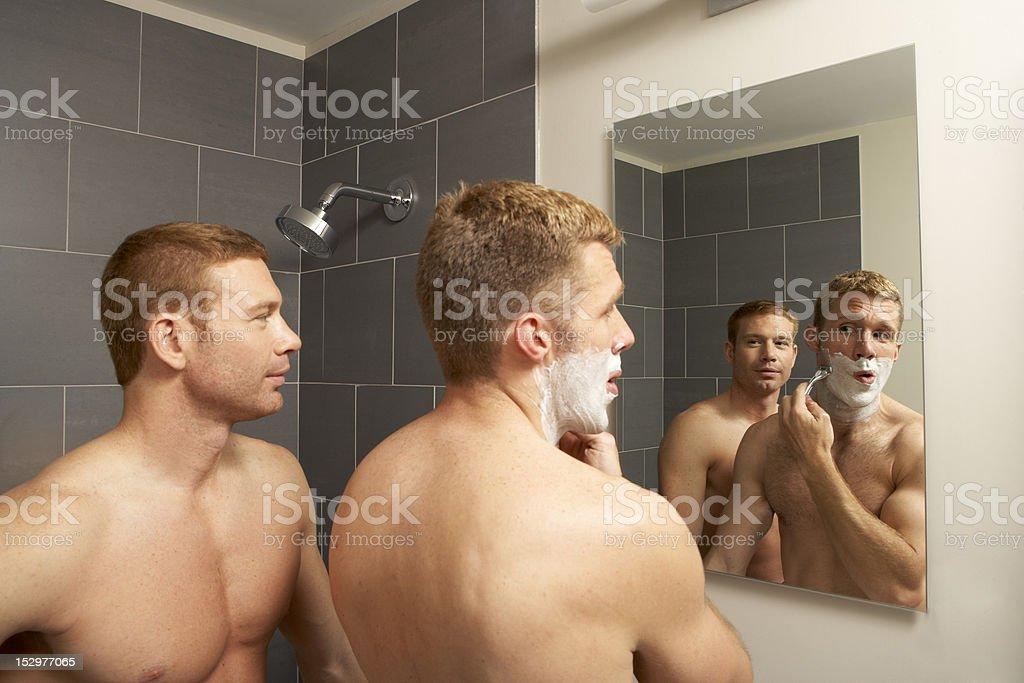 Гей в ванной комнате фото 505-680