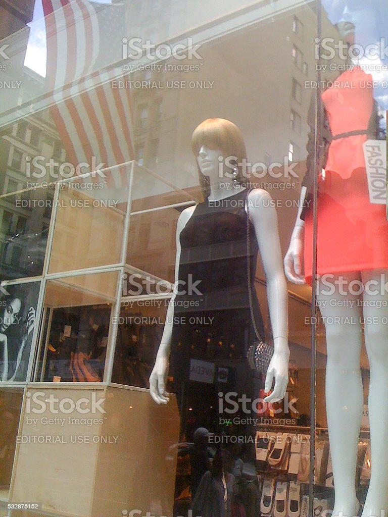 Two manequins in the Express store window on 5th Avenue stock photo