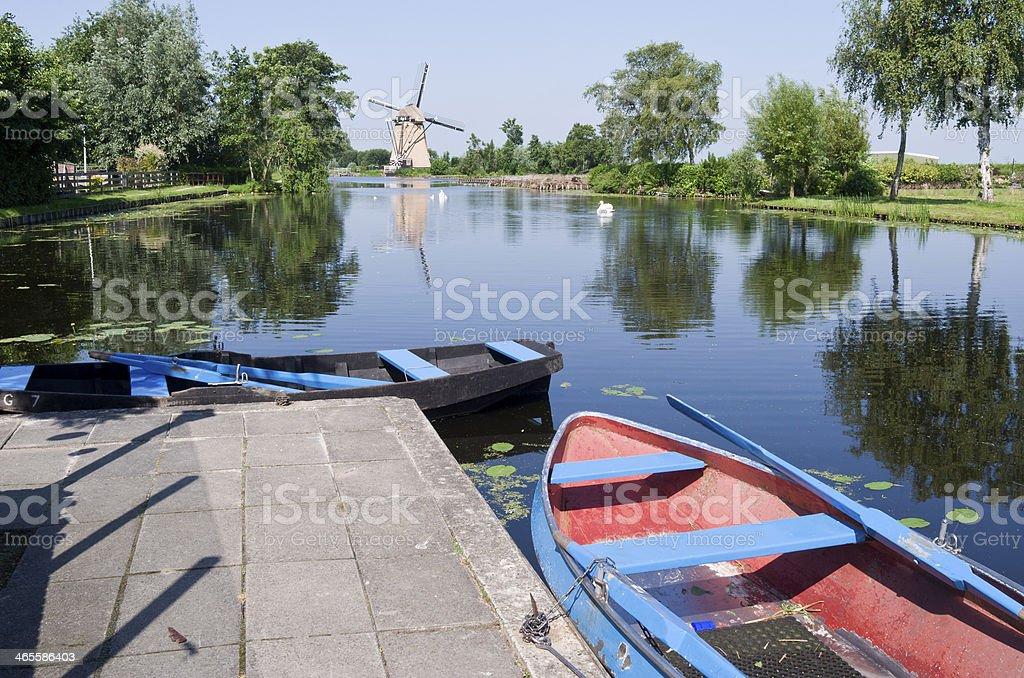 オランダの典型的なビスタ、ボートをレンタルしています。 ロイヤリティフリーストックフォト