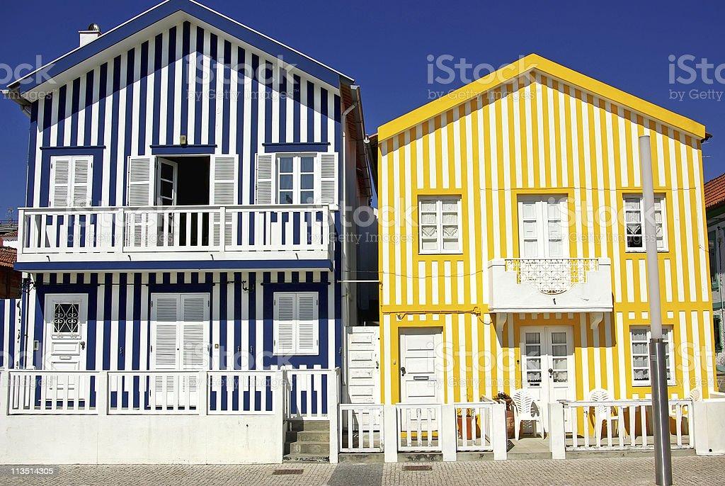 balcn madera adulacin amarillo casas tpicas portugal