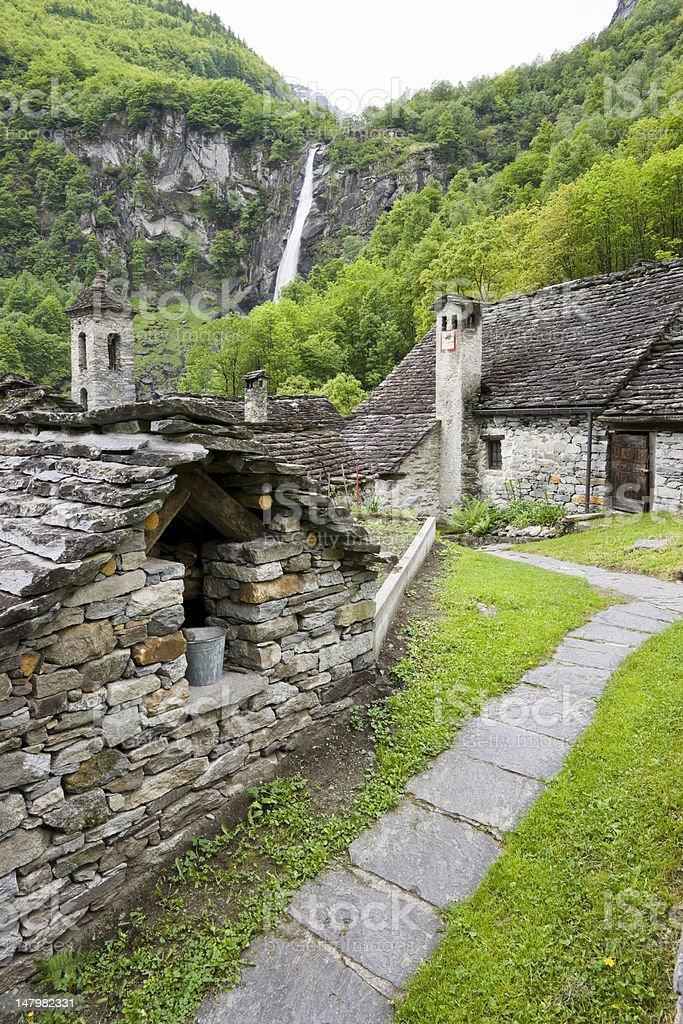 typische Steinh?user in Foroglio im Val Bavona stock photo