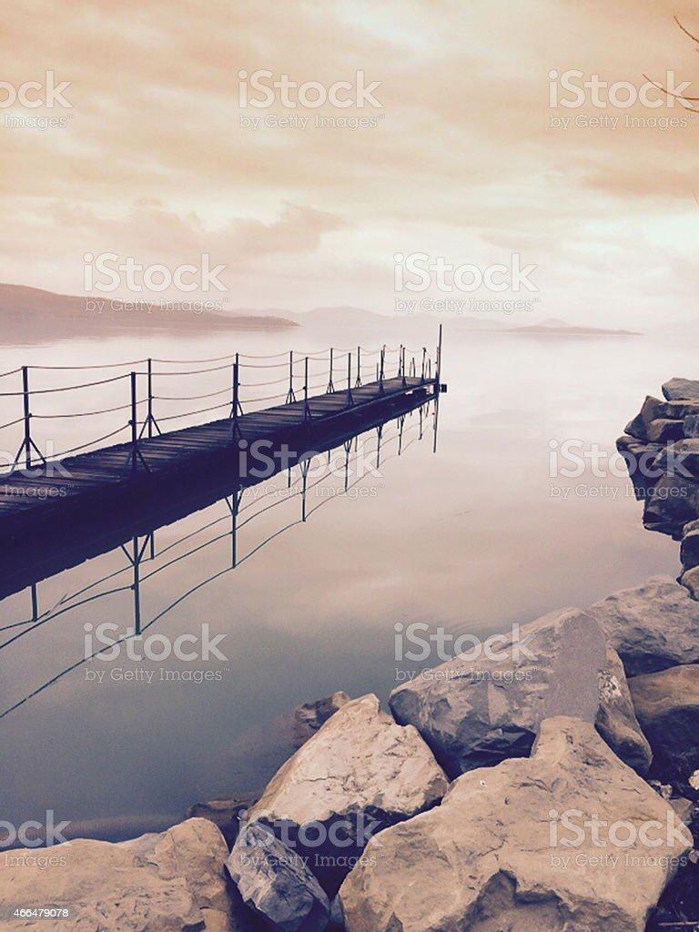 una passeggiata tra la nebbia. Lago Trasimeno. Umbria stock photo