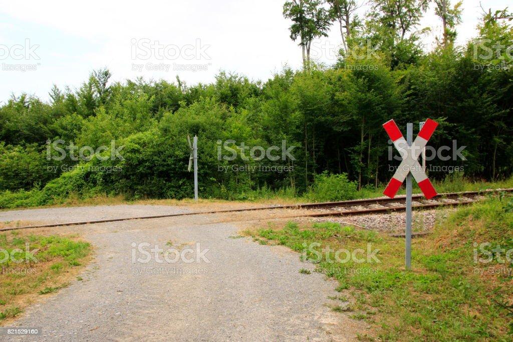unbeschrankter Bahnübergang stock photo
