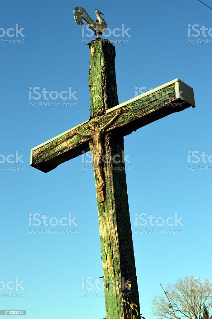 Une croix dans la campagne. stock photo