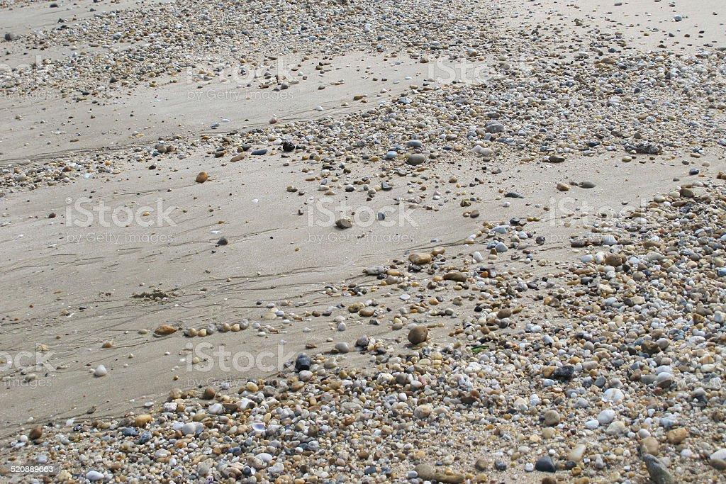 Une multitude de cailloux sur la plage stock photo