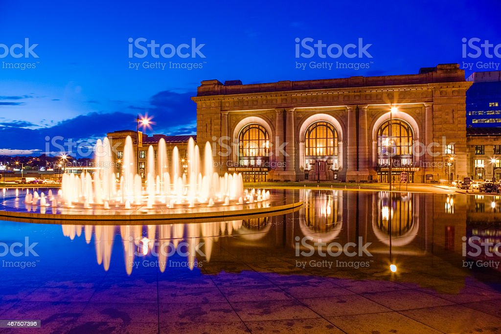 Union Station, Henry Wollman Bloch Memorial Fountain, dusk, Kansas City stock photo