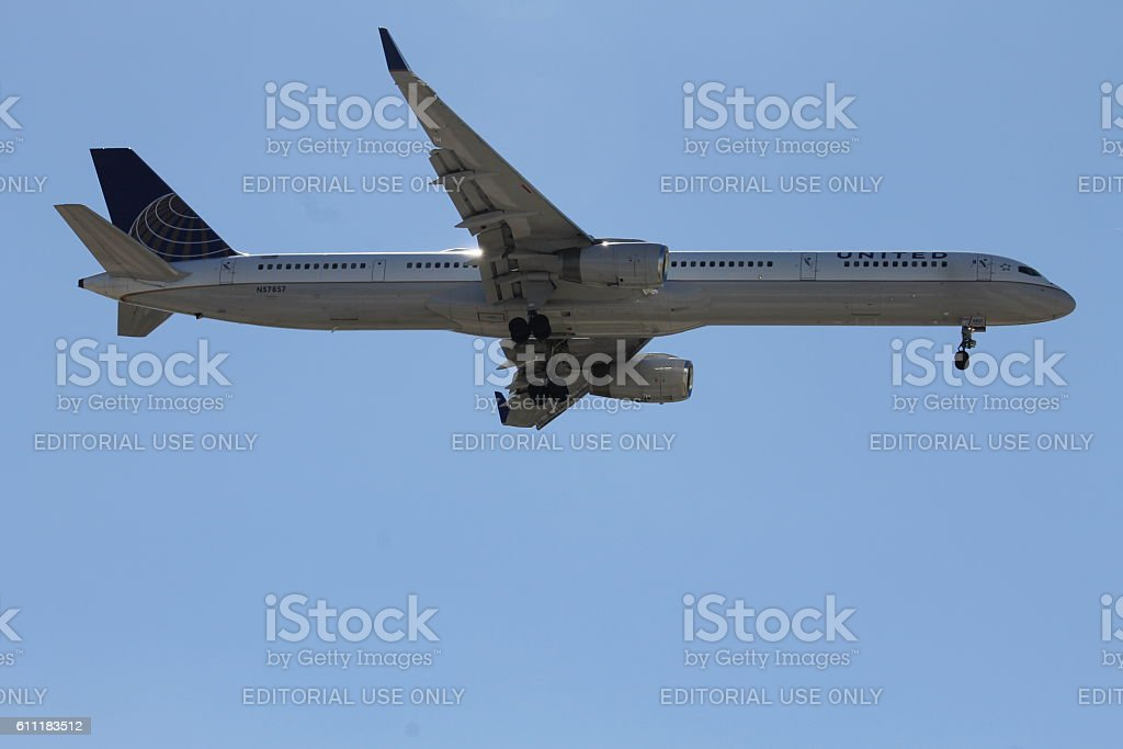 United Airlines Boeing 757-300 stock photo