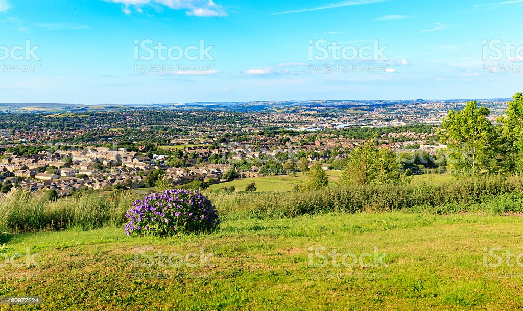 Urban and rural greenbelt boundary in Bradford, West Yorkshire stock photo