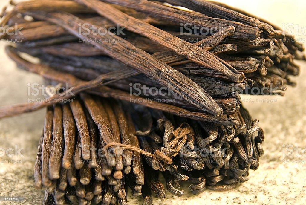 vanillabeans many vanilla beans - viele Vanielleschoten stock photo