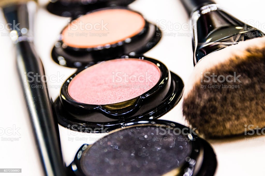 Various cosmetic set and makeup brush set / cosmetic and makeup brush...