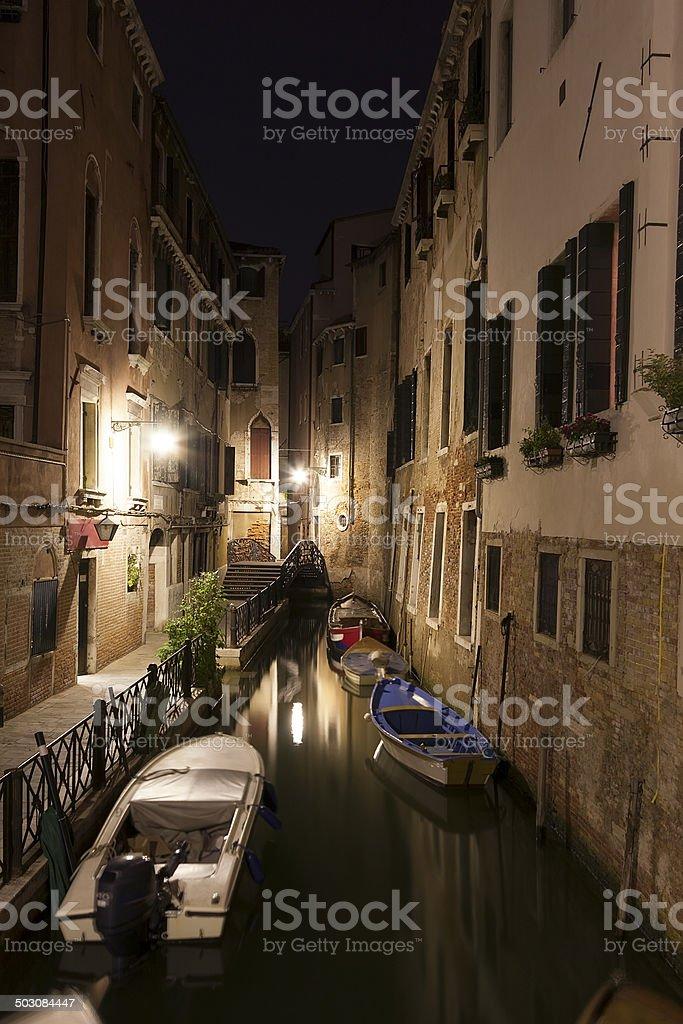 Kanal in Venedig bei Nacht Lizenzfreies stock-foto