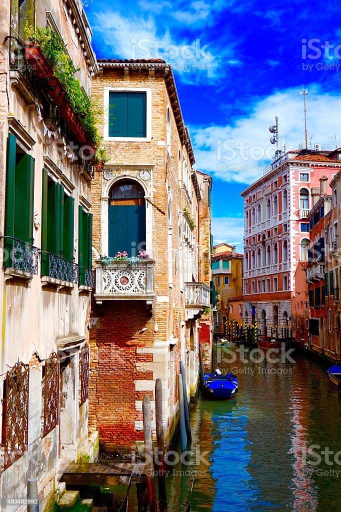 Balkon wenecki kanał z romantycznym zbiór zdjęć royalty-free