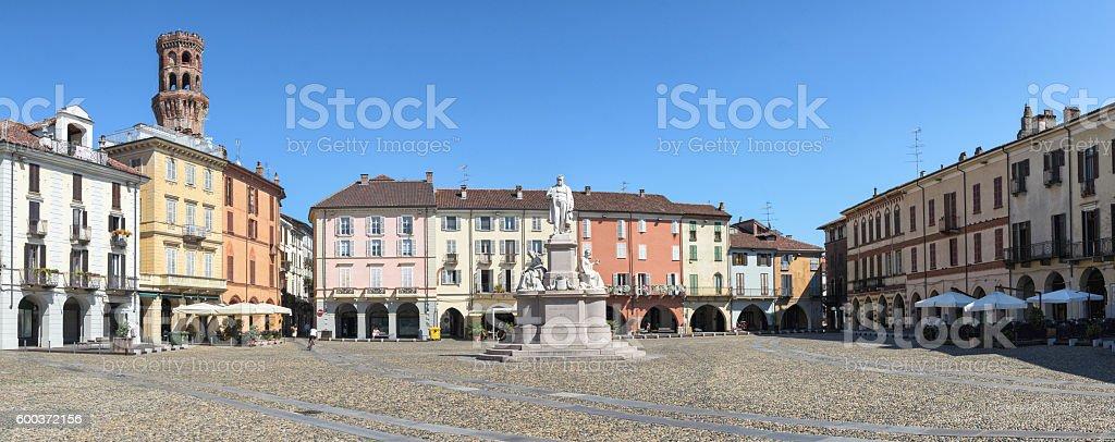 Vercelli, Piazza Cavour e Torre dell'Angelo stock photo