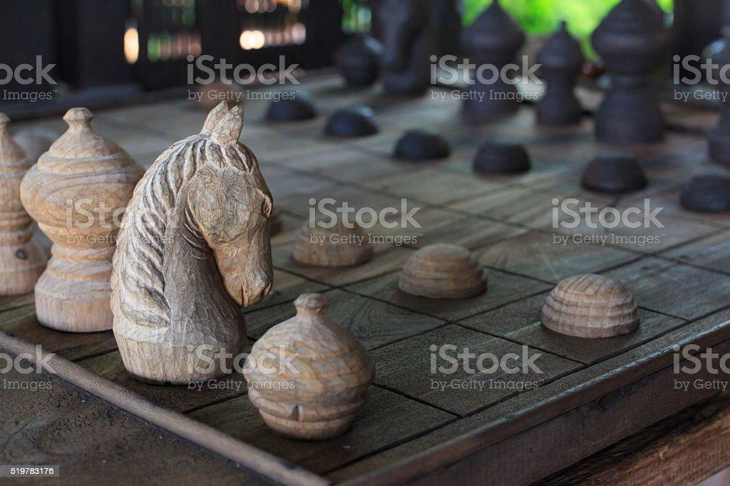 Победа деревянные шахматная, Рыцарь на шахматной доски Стоковые фото Стоковая фотография