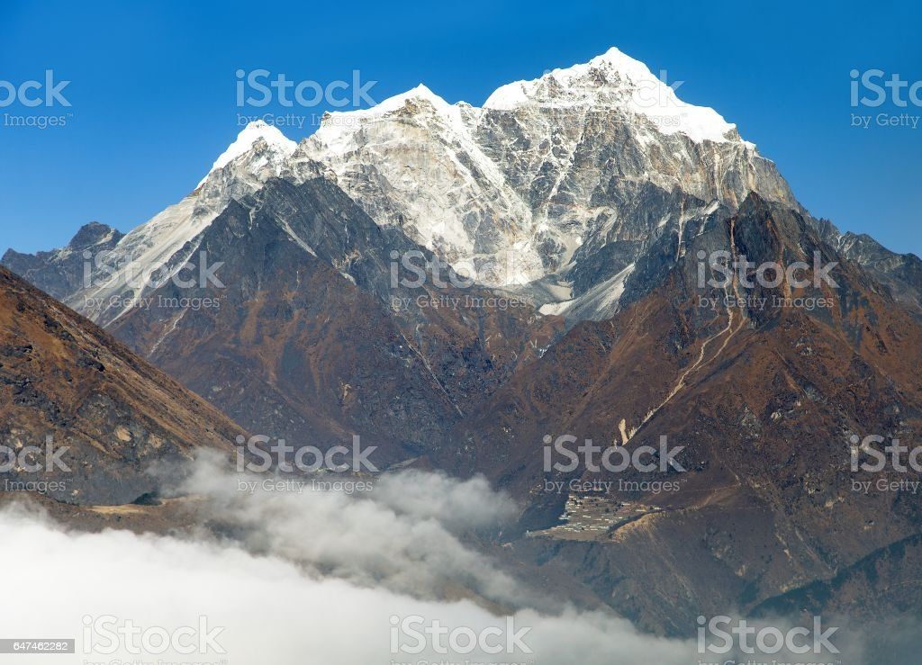 View of Portse village, mount cholatse and Tabuche peak stock photo
