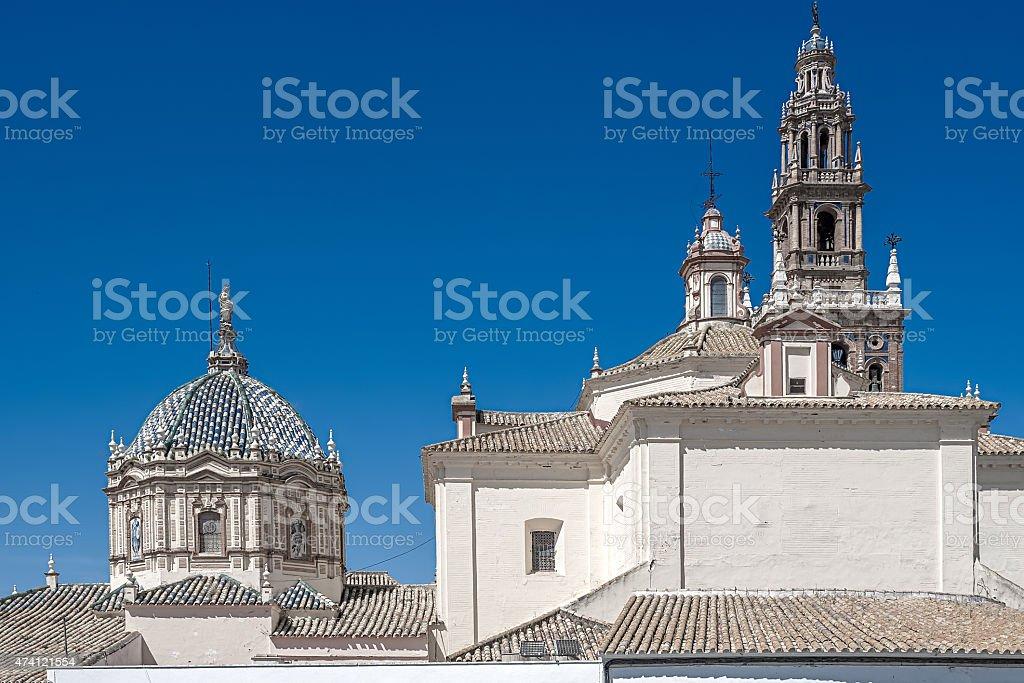 Vista da Igreja de São Pedro.   Carmona.   Andalucia.   A Espanha foto royalty-free
