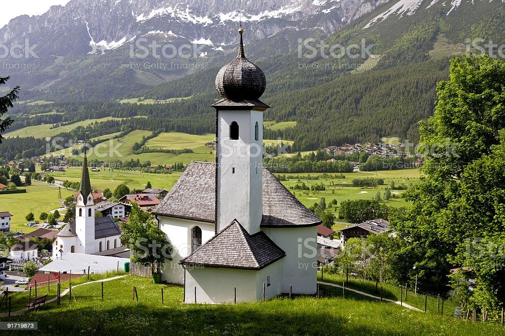 Деревне Церковь в Тироль Стоковые фото Стоковая фотография