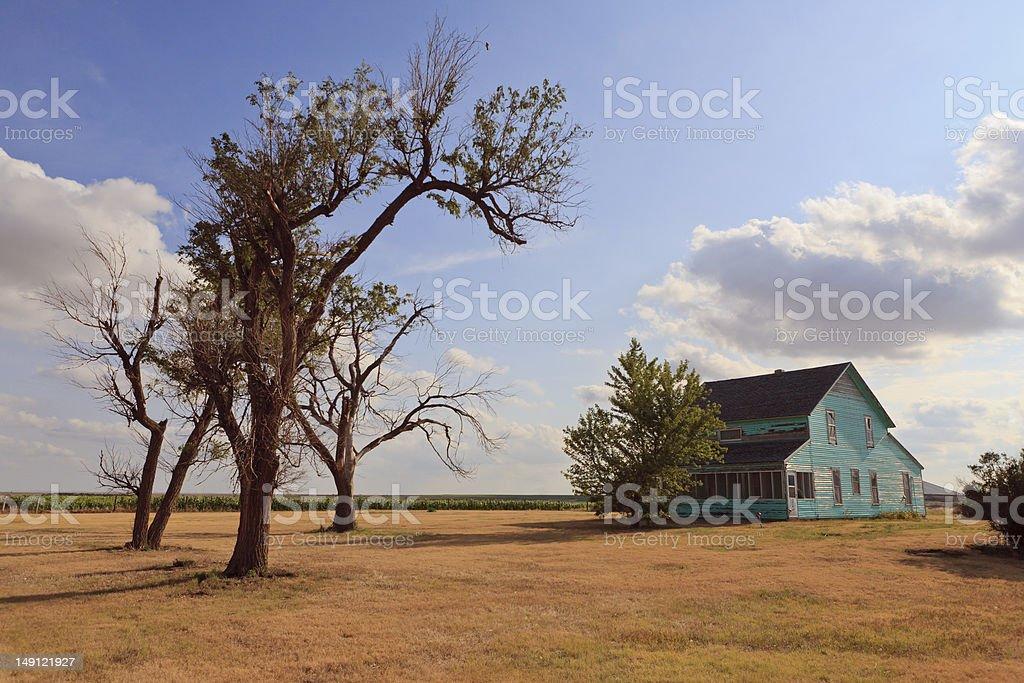 Casa d'epoca su Kansas Prairie. foto stock royalty-free
