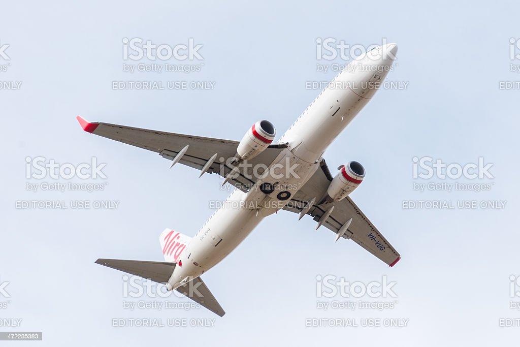 A Virgin Australia passageiro avião decolando foto royalty-free
