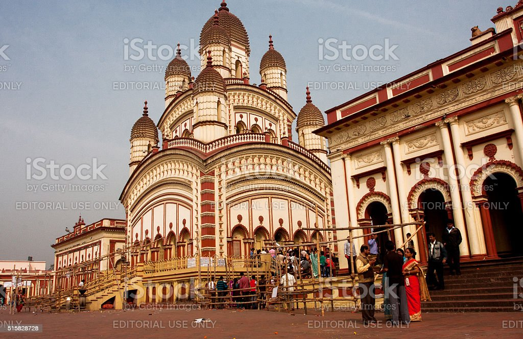 Visitors of the Dakshineswar Kali Temple going to puja stock photo