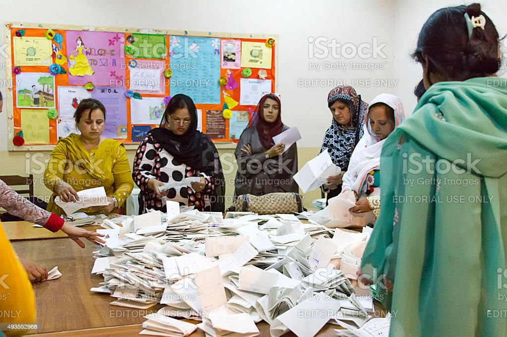 Vote counting at Pakistan 2013 elections stock photo