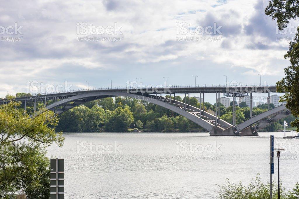 Västerbron förbinder Söder med Kungsholmen i Stockholm stock photo