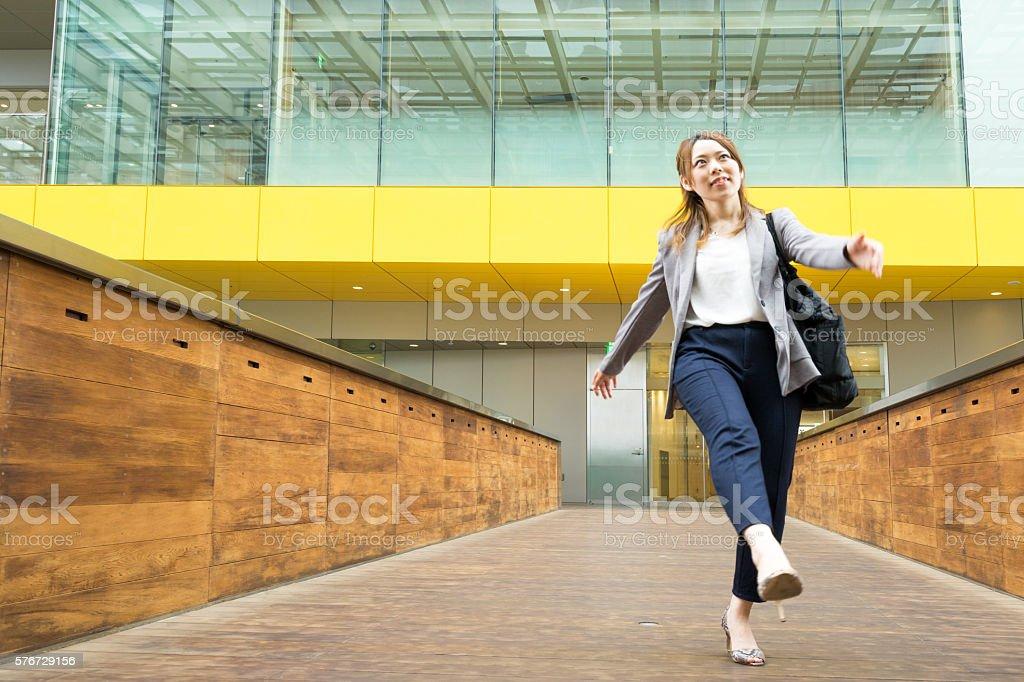 Walk cheerfully Business Woman (Business image) photo libre de droits