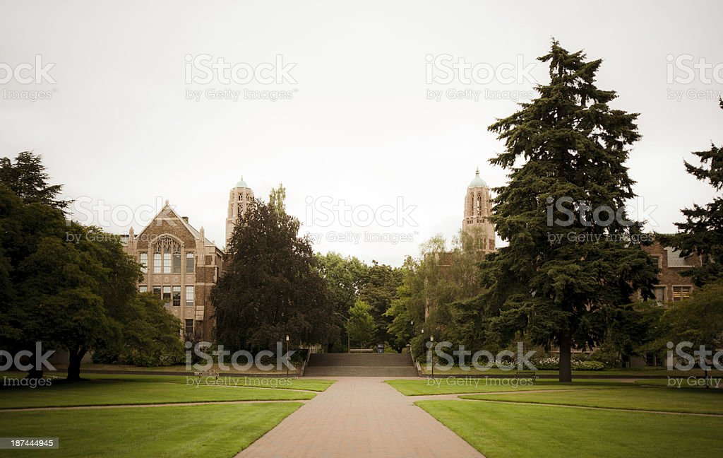 Walkway and buildings in quadrangle at University of Washington royalty-free stock photo