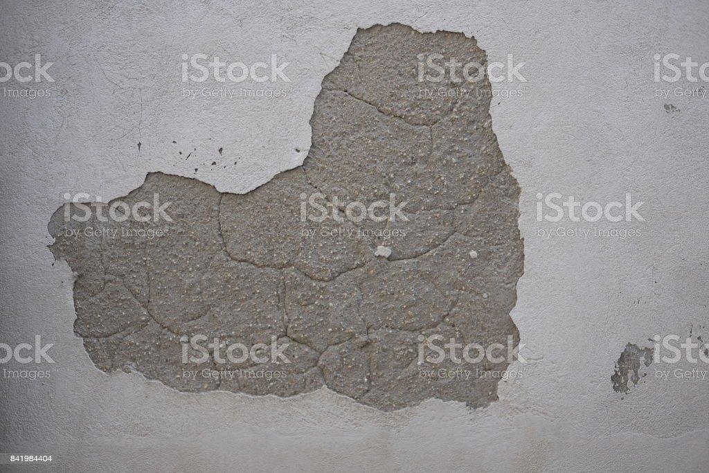 wall broken by humidity
