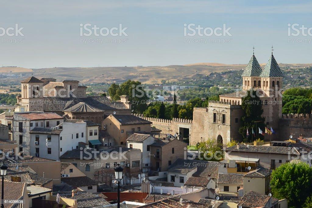 Walls of the medieval Toledo in Spain foto de stock libre de derechos