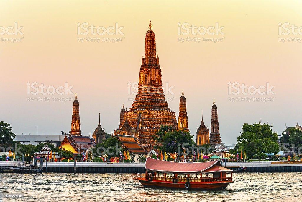 wat arun temple bangkok thailand stock photo